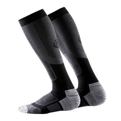 https://static.privatesportshop.com/1031457-3433779-thickbox/skins-essentials-active-thermal-chaussettes-homme-black-pewter.jpg