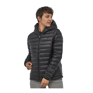 https://static.privatesportshop.com/1062148-7193718-thickbox/patagonia-down-sweater-doudoune-femme-black.jpg