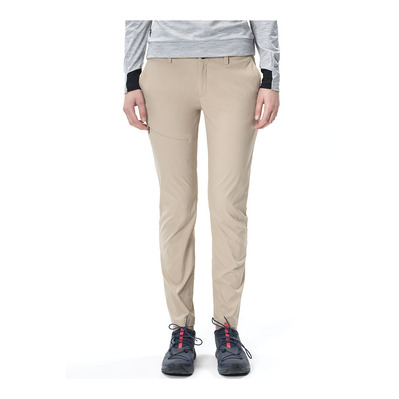 https://static.privatesportshop.com/1313577-4326709-thickbox/peak-performance-treck-pantalon-femme-slow-beige.jpg