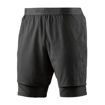 Skins SUPERPOSE DNAMIC - Short 2 en 1 Homme black/silver