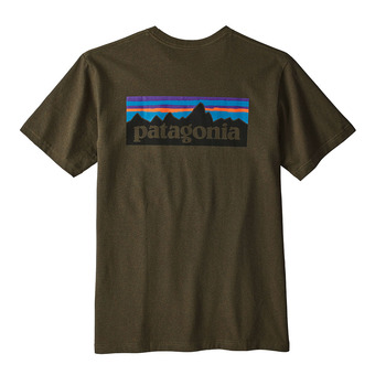 Camiseta hombre P-6 LOGO RESPONSABILI-TEE sediment