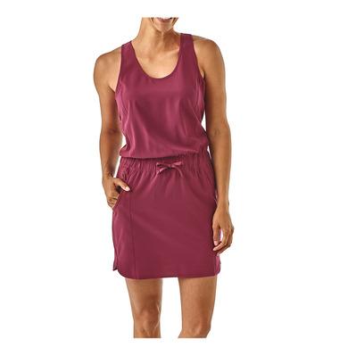 https://static.privatesportshop.com/1984141-6247945-thickbox/patagonia-fleetwith-dress-women-s-arrow-red.jpg