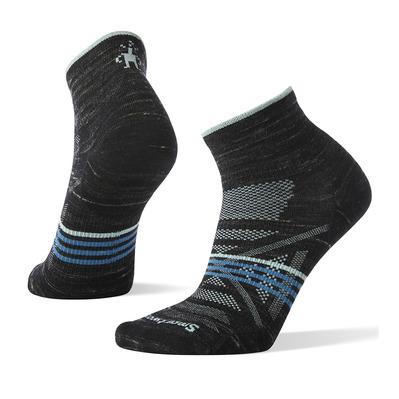 https://static2.privatesportshop.com/2012847-6346240-thickbox/smartwool-phd-outdoor-ultra-light-mini-socks-women-s-black-heather.jpg