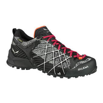 Salewa WILDFIRE GTX - Approach Shoes - Women's - black/white