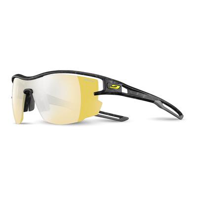 https://static.privatesportshop.com/2151047-6774386-thickbox/julbo-aero-photochromic-sunglasses-grey-flash-gold.jpg
