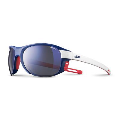 https://static.privatesportshop.com/2151056-7129228-thickbox/julbo-regatta-lunettes-de-soleil-photochromiques-bleu-blanc-rouge-multilayer-bleu.jpg