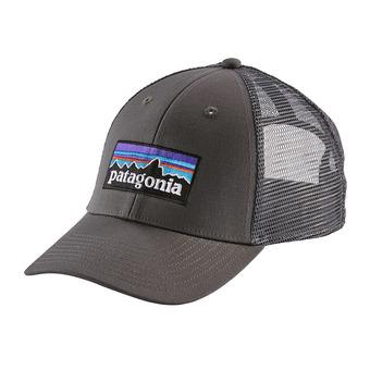 Patagonia P-6 LOGO LOPRO - Gorra forge grey/forge grey