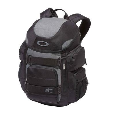 https://static.privatesportshop.com/854178-4912850-thickbox/oakley-enduro-20-30l-backpack-blackout.jpg